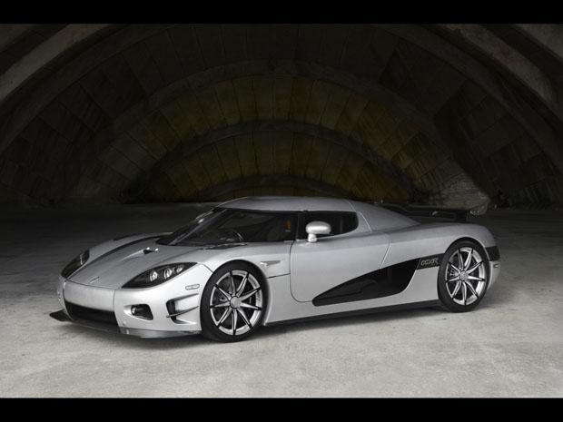 2010-Koenigsegg-Trevita-1