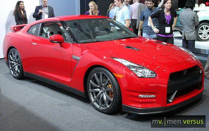 Nissan-2012-Nissan-GT-R_4