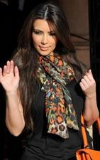 Perfect-figure-and-looks-Kim-Kardashian-toured-Paris-in-3-sizzling-outfits-00